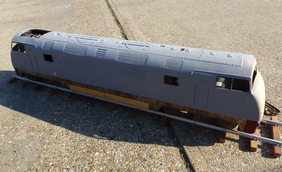 5 Inch Maxitrak Warship