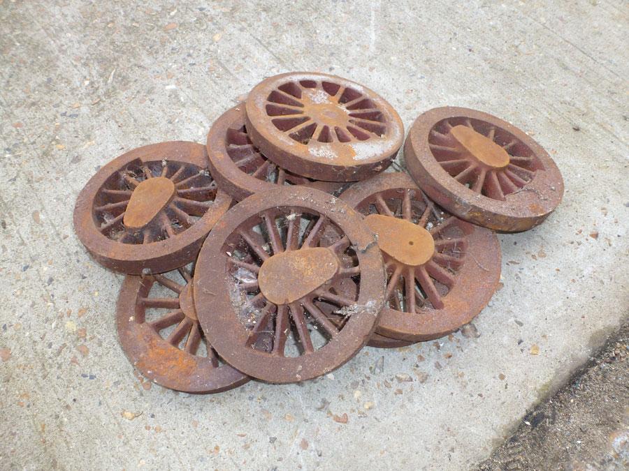 8 x cast iron wheels
