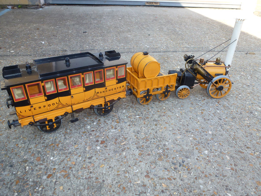 Hornby Stephensons Rocket set with Coach